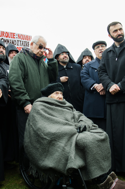 106-year-old genocide survivor Knar Bohjelian Yeminidjian participates in the march against genocide and denial in Ottawa (photo by Ishkhan Ghazarian)