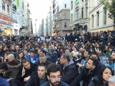 Istiklal Street, Istanbul (photo by Rupen Janbazian)